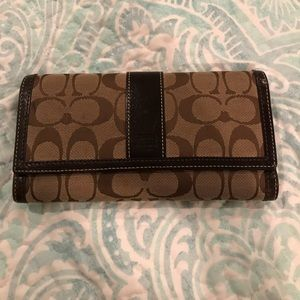 LARGE BROWN COACH SIGNATURE WALLET